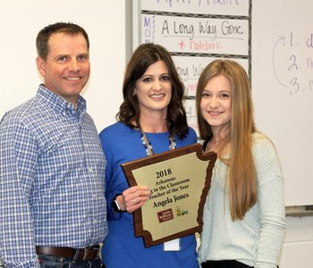 Farm Bureau Names Jones Outstanding Teacher