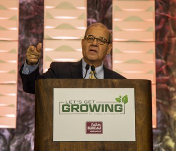 Veach Gives Final Address as Farm Bureau President